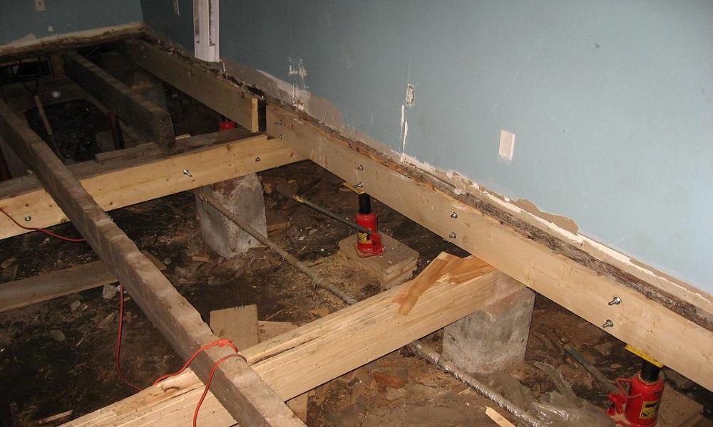 Выравнивание пола в старом деревянном доме